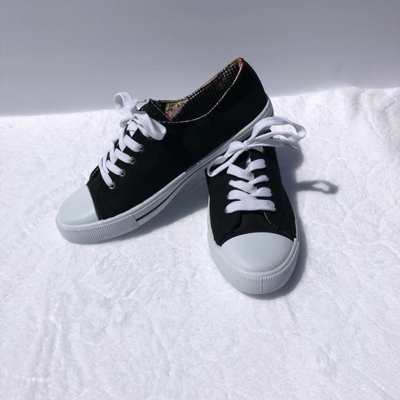 fd025fa0a0 Wet Seal Black canvas shoes size 10. M 5b78ac3b9539f701472b196c